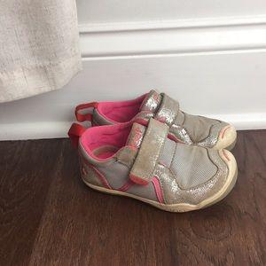 Plae Sneakers